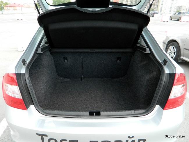 vw-polo-sedan-gabariti