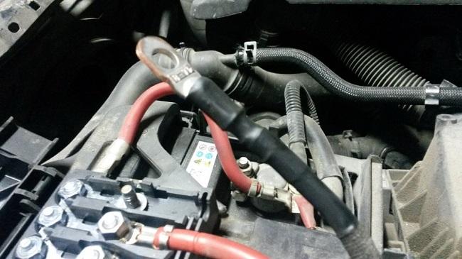 Замена клеммы генератора в блоке предохранителей АКБ